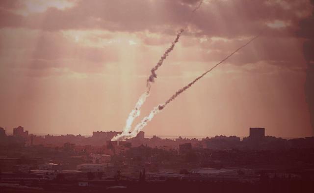 Terrorists fire rocket at Israel