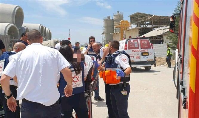 Two dead as rocket strikes Ashkelon factory