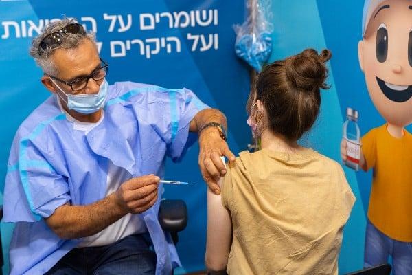 Over 3 million Israelis get 3rd COVID booster shot